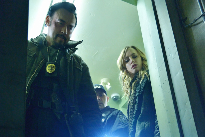"""THE STRAIN -- """"Quick and Painless"""" -- Episode 205 (Airs August 9, 10:00 pm e/p) Pictured: (l-r) Kevin Durand as Vasiliy Fet, Ruta Gedmintas as Dutch Velders. CR: Michael Gibson/FX"""