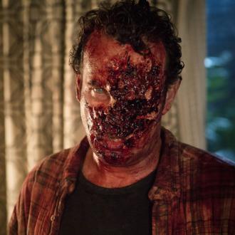 Walker - Fear the Walking Dead _ Season 1, Episode 3 - Photo Credit: Justina Mintz/AMC