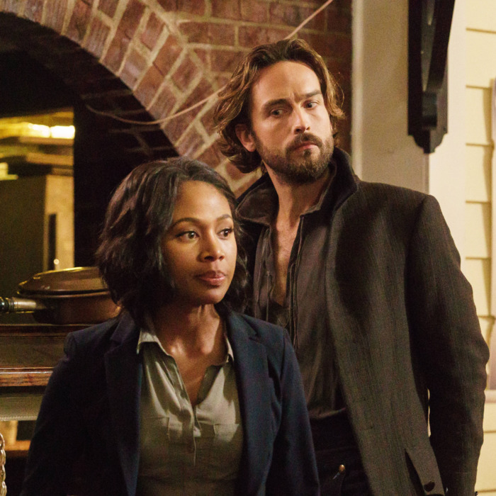 SLEEPY HOLLOW: Ichabod Crane (Tom Mison, L) and Abbie (Nicole Beharie, R) try to come up with a plan in the