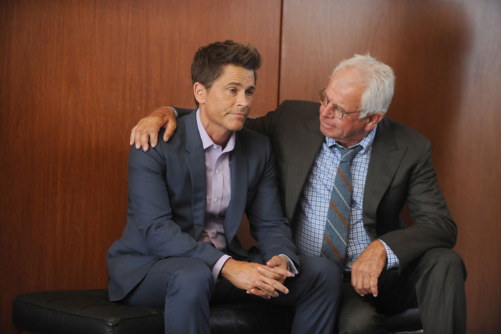 "THE GRINDER:  L-R:  Rob Lowe and William Devane in the ""Heroes Reborn"" episode of THE GRINDER airing Tuesday, Oct. 6 (8:30-9:00 PM ET/PT) on FOX.  ©2015 Fox Broadcasting Co.  Cr:  Ray Mickshaw/FOX"