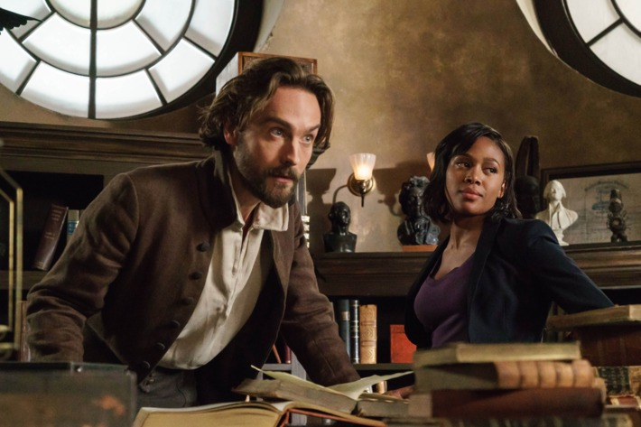 """Tom Mison and Nicole Beharie in the """"The Sister Mills"""" episode of SLEEPY HOLLOW."""