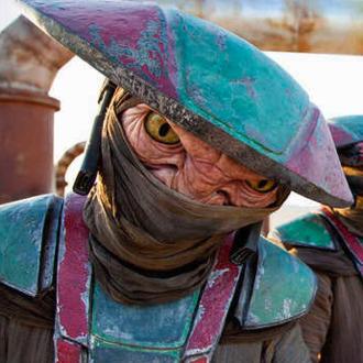 Star Wars: The Force AwakensConstable ZuvioPh: Elena Dorfman© 2015 Lucasfilm Ltd. & TM. All Right Reserved.