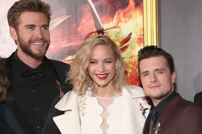 """Premiere Of Lionsgate's """"The Hunger Games: Mockingjay - Part 2"""" - Red Carpet"""