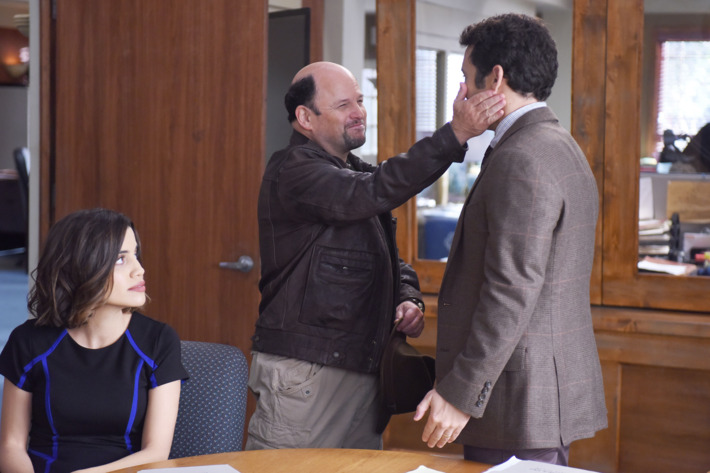 "THE GRINDER:  L-R:  Natalie Morales, guest star Jason Alexander and Fred Savage in the ""Grinder Rests in Peace"" episode of THE GRINDER airing Tuesday, Dec. 1 (8:30-9:00 PM ET/PT) on FOX.  ©2015 Fox Broadcasting Co.  Cr:  Ray Mickshaw/FOX"