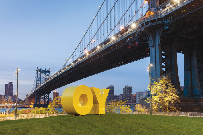 OY/YO by Deborak Kass in Brooklyn Bridge Park
