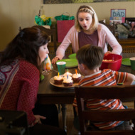 """FARGO -- """"Palindrome"""" -- Episode 210 (Airs December 14, 10:00 pm e/p) Pictured: (starting clockwise, far left) Keith Carradine as Lou Solverson, Joey King as Greta Grimly,  Colin Hanks as Gus Grimly, Allison Tolman as Molly Solverson. CR: Chris Large/FX"""