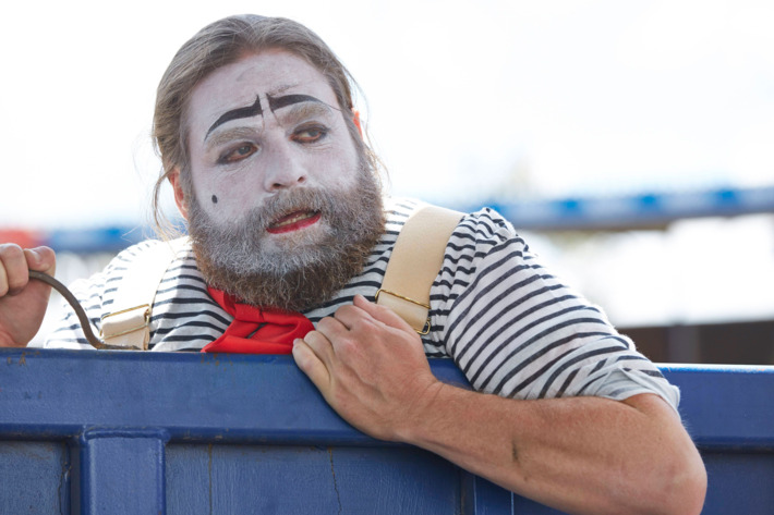 "BASKETS -- ""Renoir"" Episode 101 (Airs Thursday, January 21, 10:00 pm/ep) Pictured: Zach Galifianakis as Baskets. CR: Ben Cohen/FX"