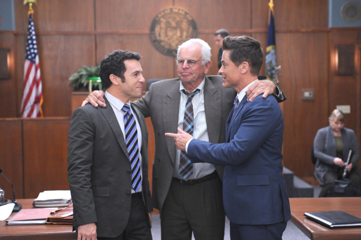 "THE GRINDER:  L-R:  Fred Savage, William Devane and Rob Lowe in the ""Blood Is Thicker Then Justice"" episode of THE GRINDER airing Tuesday, Jan. 12 (9:30-10:00 PM ET/PT) on FOX.  ©2015 Fox Broadcasting Co.  Cr:  Ray Mickshaw/FOX"