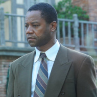 """THE PEOPLE v. O.J. SIMPSON: AMERICAN CRIME STORY """"The Race Card"""" Episode 105 (Airs Tuesday, March 1, 10:00 pm/ep) -- Pictured: (l-r) Sterling K. Brown as Christopher Darden, Cuba Gooding, Jr. as O.J. Simpson. CR: Ray Mickshaw/FX"""