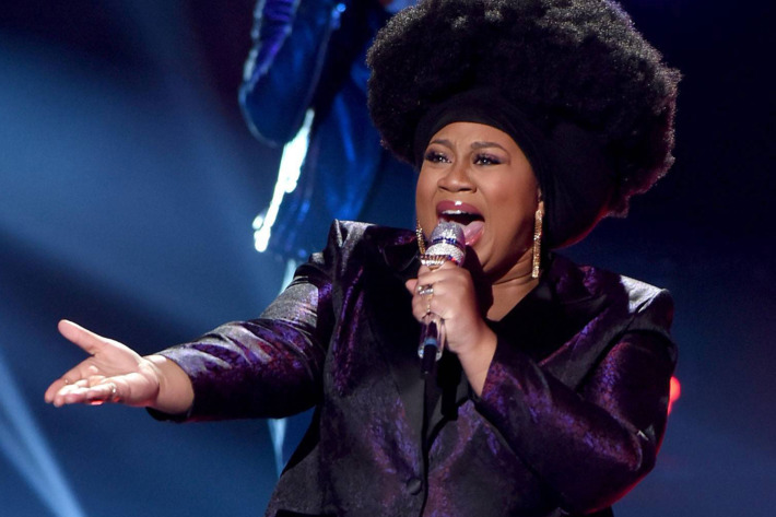 AMERICAN IDOL: Top 5: Contestant La'Porsha Renae performs on AMERICAN IDOL airing Thursday, March 17 (8:00-10:00 PM ET/PT) on FOX. © 2016 FOX Broadcasting Co. Cr: Ray Mickshaw/ FOX. This image is embargoed until Thursday, March 17,10:00PM PT / 1:00AM ET