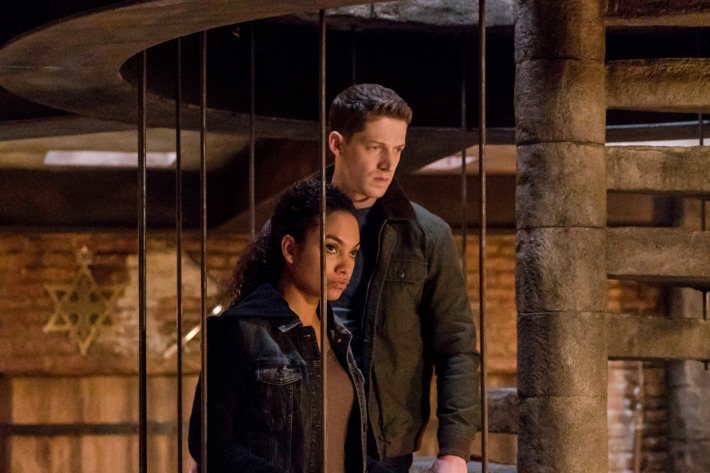 "L-R: Lyndie Greenwood and Zach Appelman in the ""Dawn's Early Light"" episode of SLEEPY HOLLOW airing Friday, March 25."