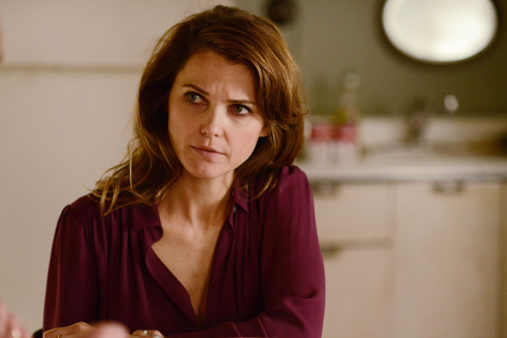 "THE AMERICANS -- ""Chloramphenicol"" Episode 404 (Airs, Wednesday, April 6 30, 10:00 pm/ep) -- Pictured: Keri Russell as Elizabeth Jennings. CR: Nicole Rivelli/FX"