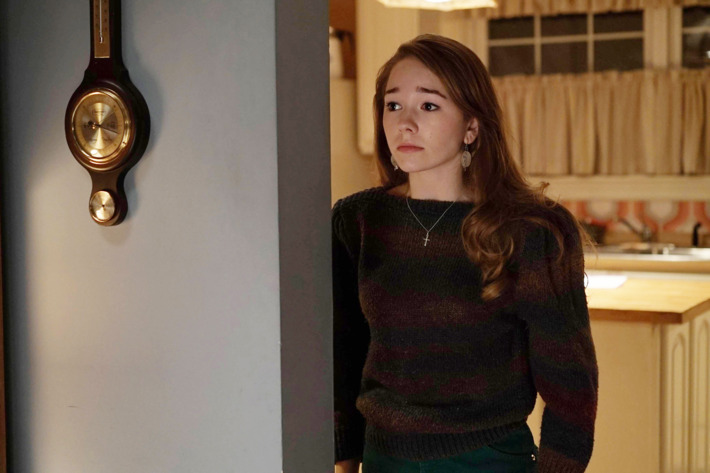 "THE AMERICANS -- ""Chloramphenicol"" Episode 404 (Airs, Wednesday, April 6 30, 10:00 pm/ep) -- Pictured: Holly Taylor as Paige Jennings. CR: Nicole Rivelli/FX"