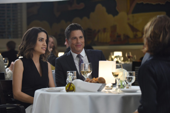 "THE GRINDER:  L-R:  Natalie Morales and Rob Lowe in the ""For the People"" episode of THE GRINDER airing Tuesday, April 19 (9:30-10:00 PM ET/PT) on FOX.  ©2016 Fox Broadcasting Co.  Cr:  Ray Mickshaw/FOX"