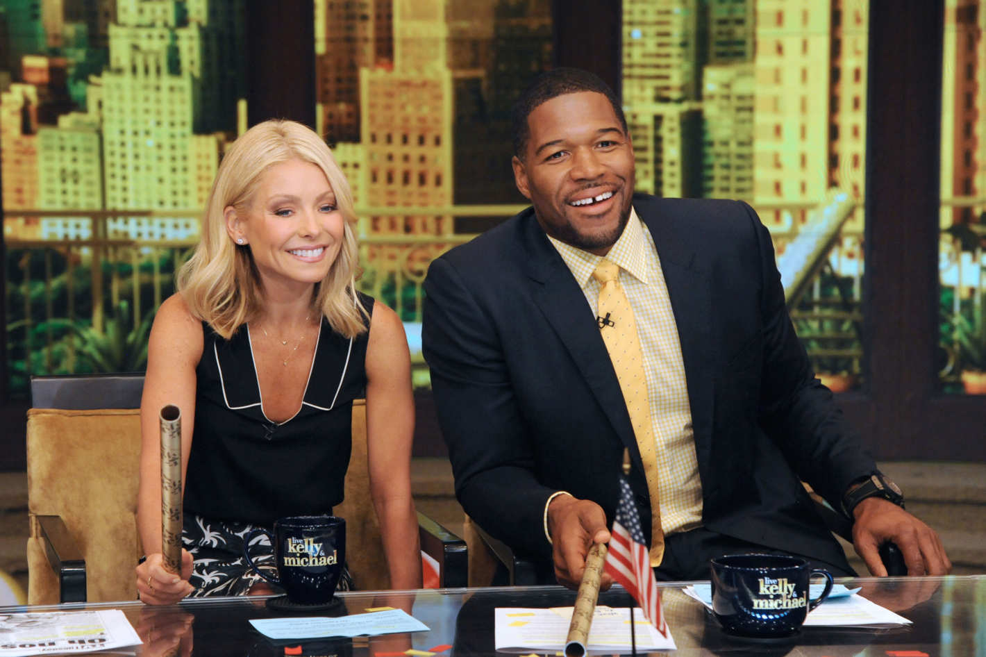Michael Strahan To Leave Live In May Instead Of September Depriving