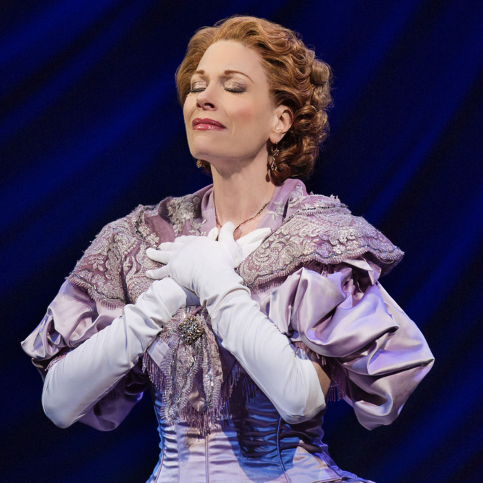 Marin Mazzie The King and IAct IIBartlett Sher: DirectorLincoln Center Theater ProductionCredit Photo: Paul Kolnikstudio@paulkolnik.comnyc 212-362-7778