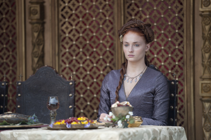 Sansa Wearing A Poison Filled Necklace