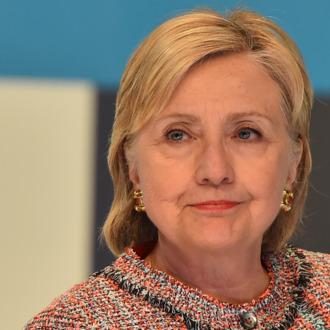 US-VOTE-CLINTON-CAMPAIGN-SOCIAL MEDIA-CONTENT-TOWN HALL