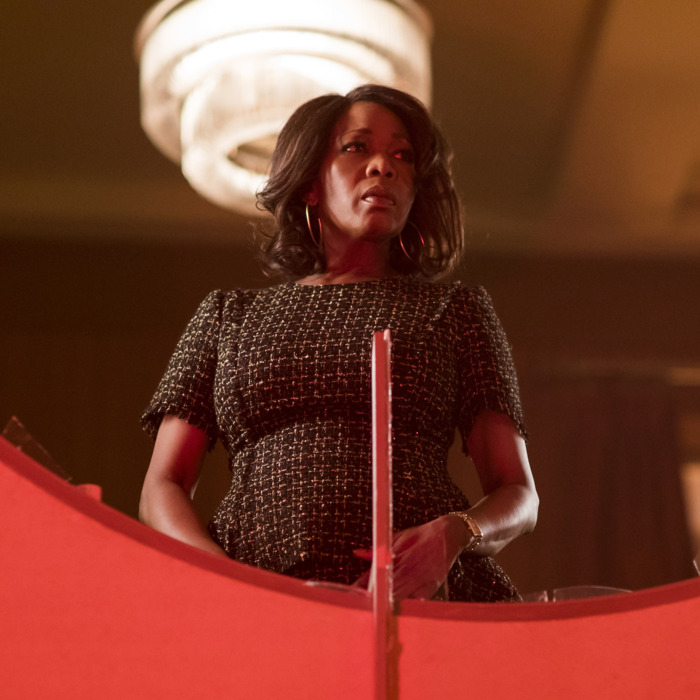 Alfre Woodard as Mariah.