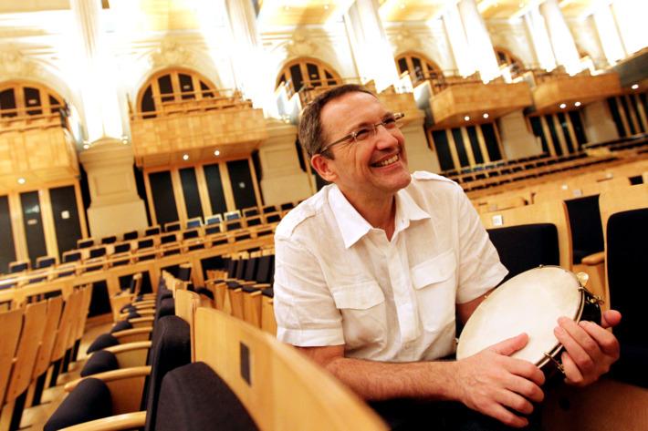 SÃO PAULO/SP - 28/09/2010 - 16h30 - CADERNO 2 - GOLIJOV - Compositor argentino, Osvaldo Golijov na sala São Paulo.