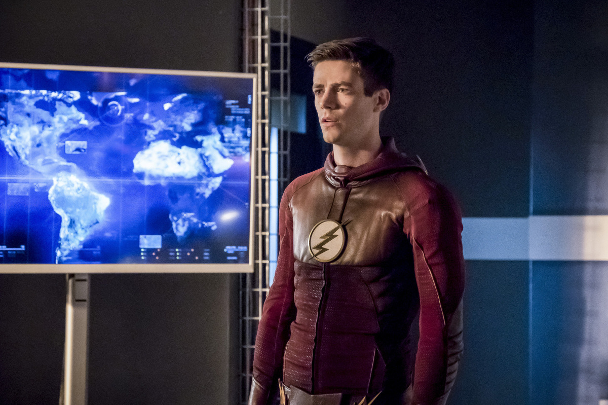 The flash season 2 recap and review the reverse flash returns - The Flash Season Finale Recap Panic In Central City