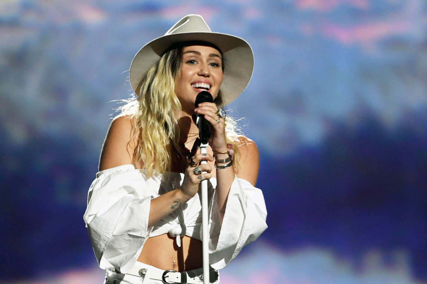 21 miley cyrus songs and performances that u0027ll make you a fan