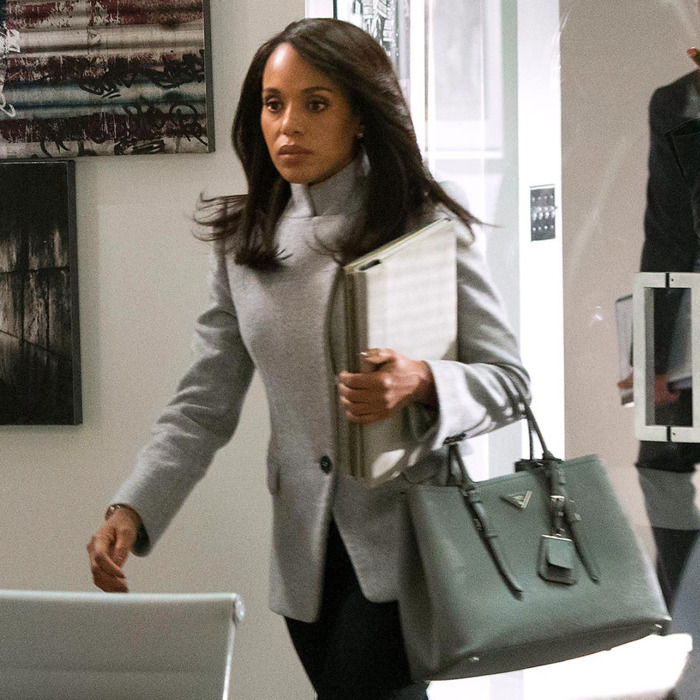 1b9cfc5f2115 The Scandal–How to Get Away With Murder Crossover Will Have So Many Power  Handbags