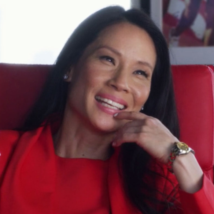 ee06e6088 Set It Up's Best Supporting Character Is Lucy Liu's Wardrobe