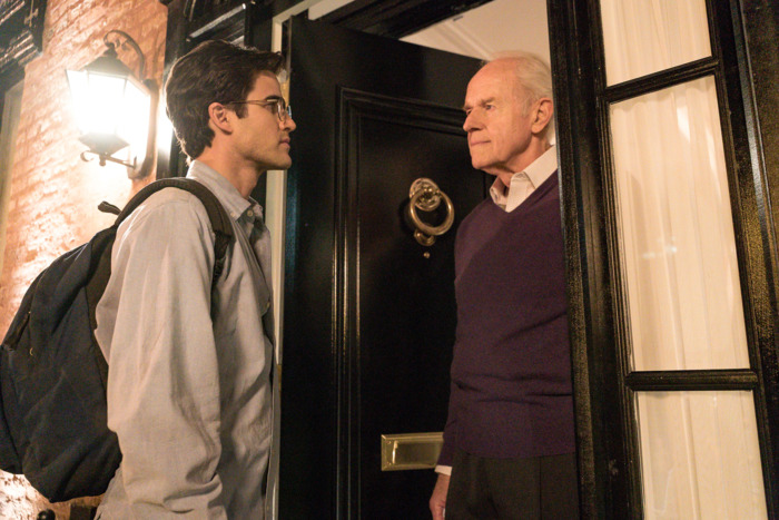 Darren Criss and Mike Farrell in The Assassination of Gianni Versace.