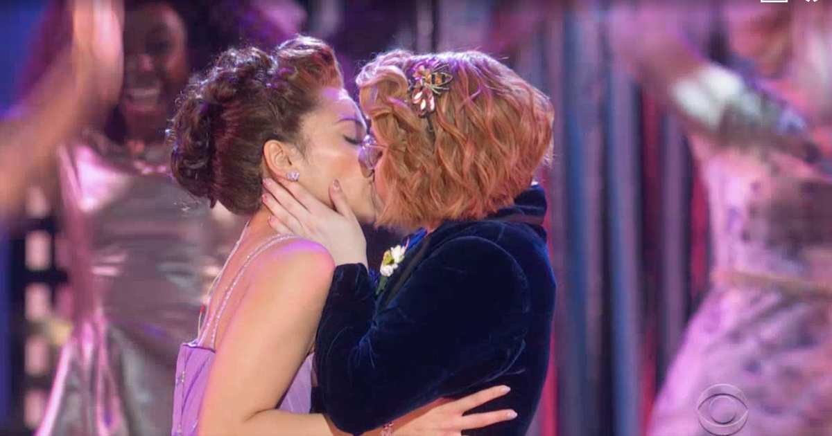 The Prom's Tony Awards Performance Ends With a Lesbian Kiss
