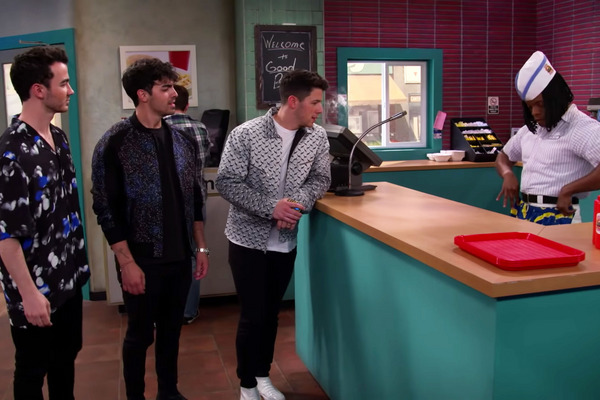 The 'Good Burger' Sketch Returns With a Visit From the Jonas Brothers