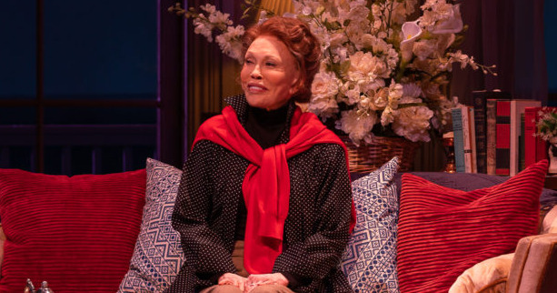 Faye Dunaway Dropped From Katharine Hepburn Play Tea at Five, Which Was Bound for Broadway