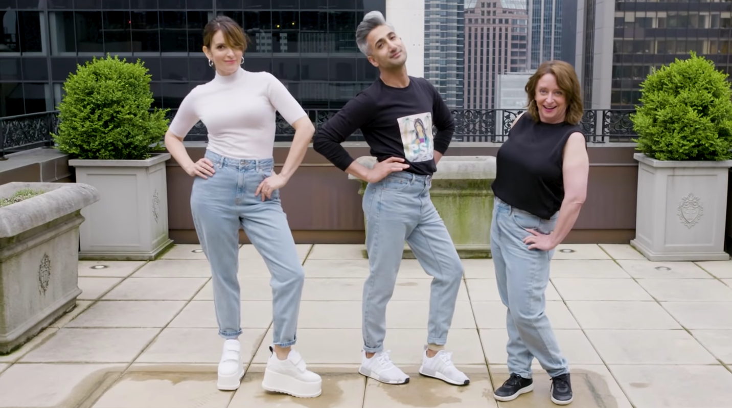 Tina Fey, Tan France Give Rachel Dratch a Mom Jeans Makeover