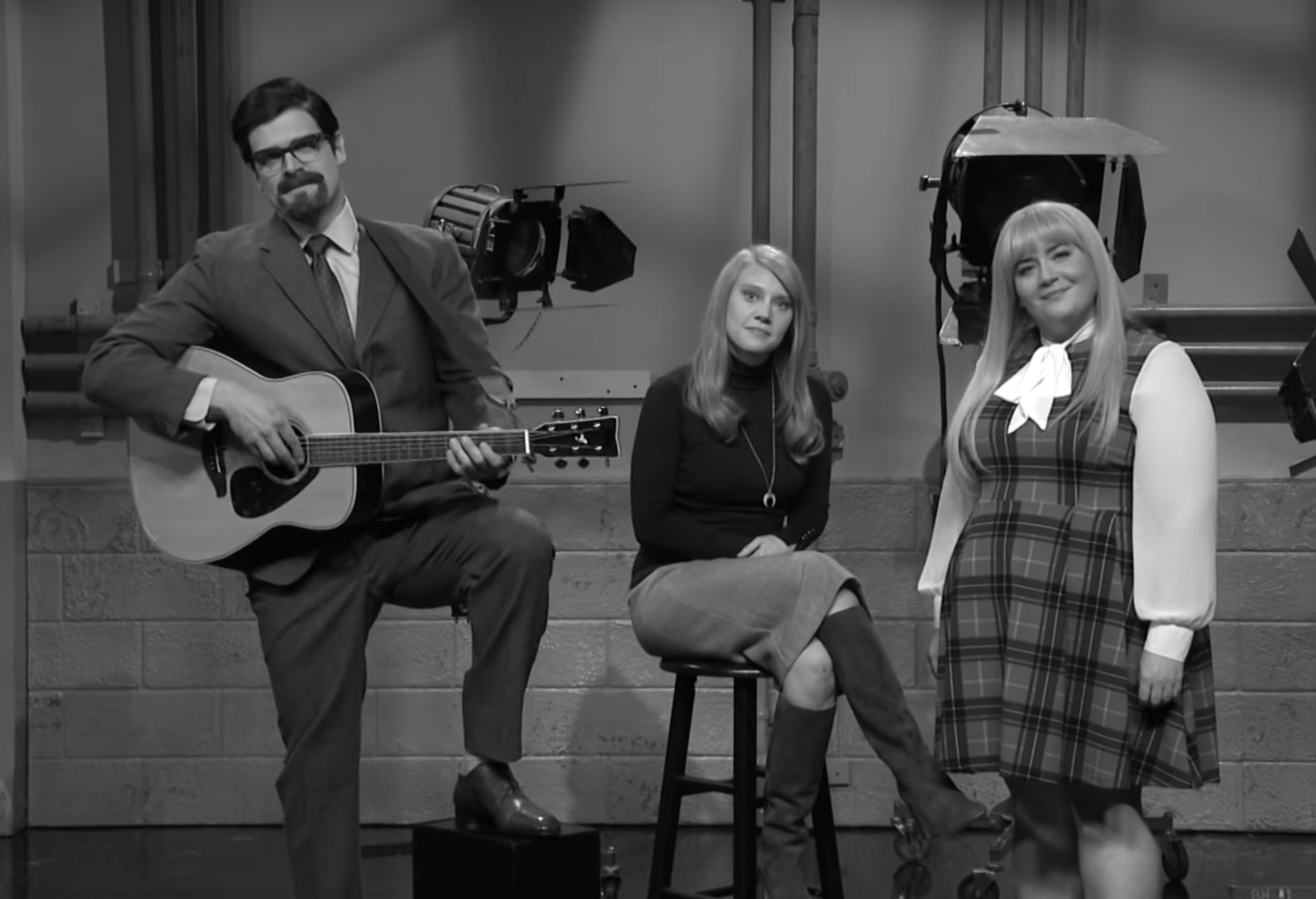SNL Gifts Us All With a Song About Time That's Eternal