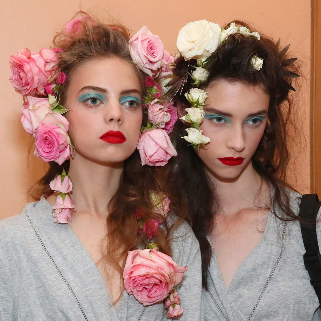 Rodartes spring 2019 flower hair was the prettiest of nyfw izmirmasajfo