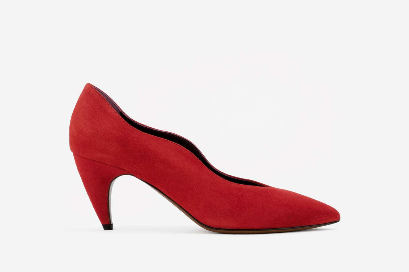 Sophia pump in red suede