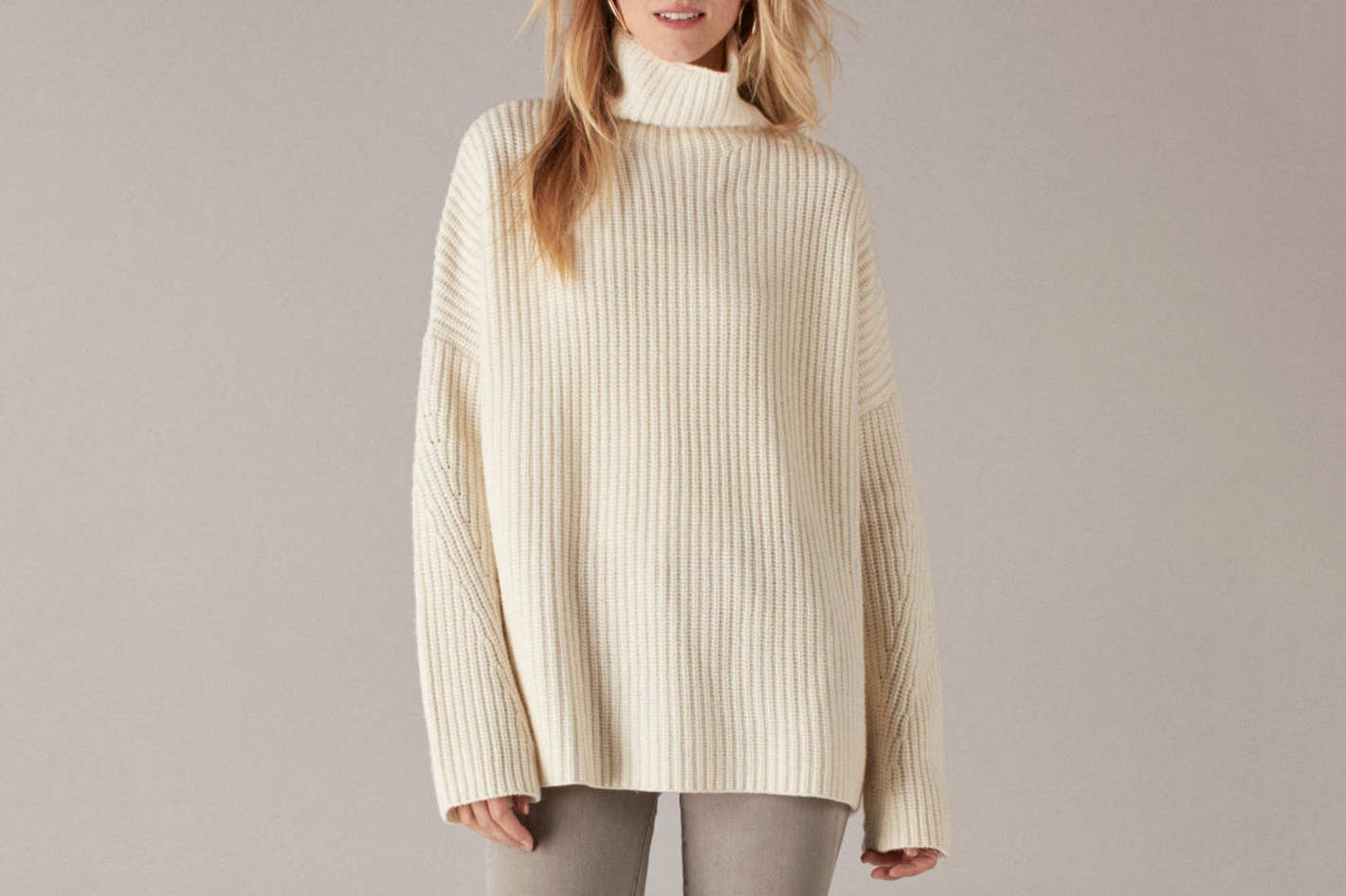 Oversized Ribbed Wool Cashmere Turtleneck White