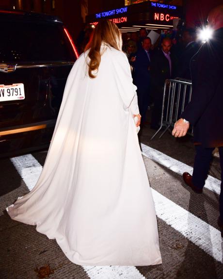 Jennifer Lopez wears Stephane Rolland coat
