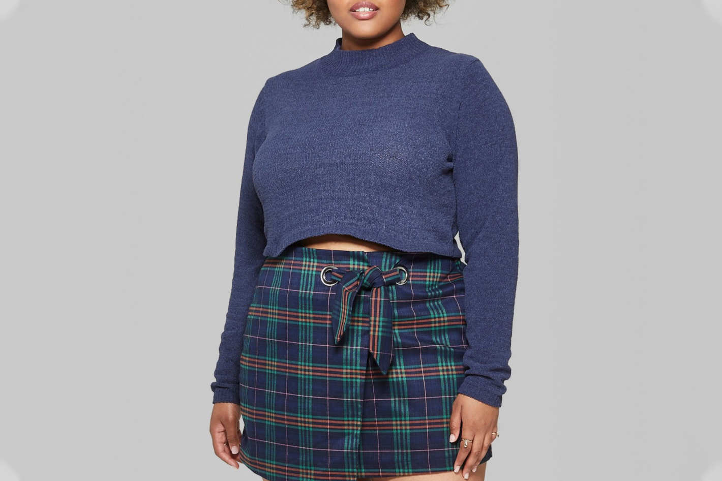 Weomen's Plus Size Cropped Mock Neck Pullover