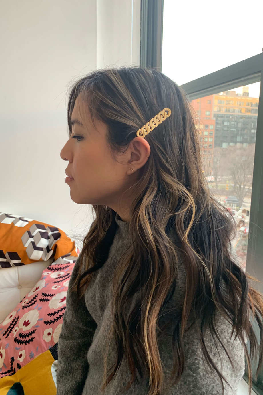 f52bd9e348 How to Style Hair Clips, Bows, and Barrettes 2019