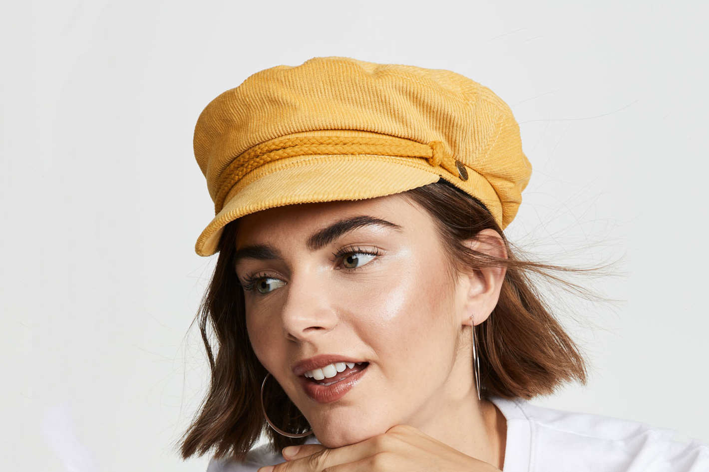 bde781a5b53 15 Women on Ways to Wear Hats This Winter