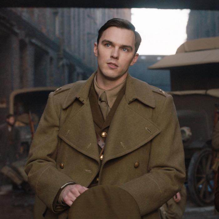 J.R.R. Tolkien (Nicholas Hoult) and Edith Bratt (Lily Collins.)