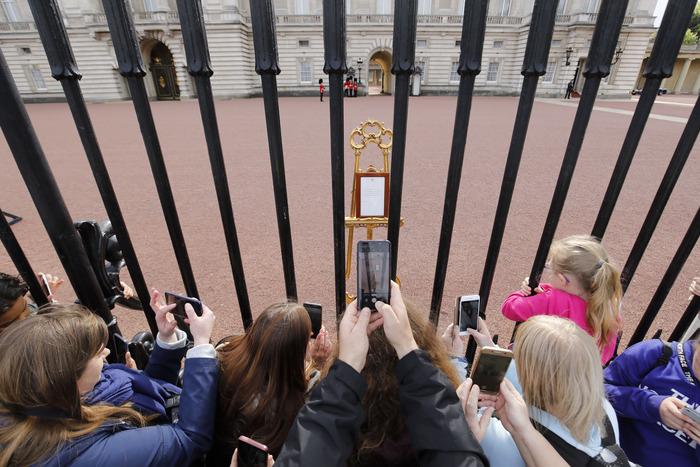 The royal easel.