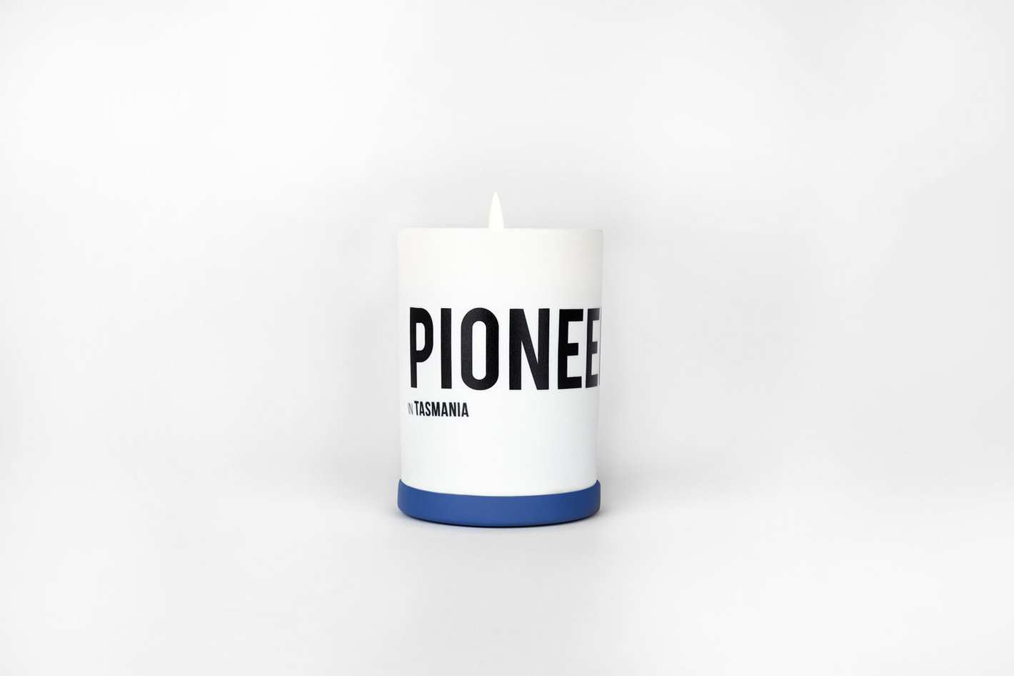 Nomad Noé Pioneer in Tasmania - Sea Salt & Coconut Candle