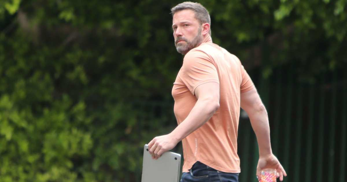 Why Is Ben Affleck in Such a Hurry With His Computer?