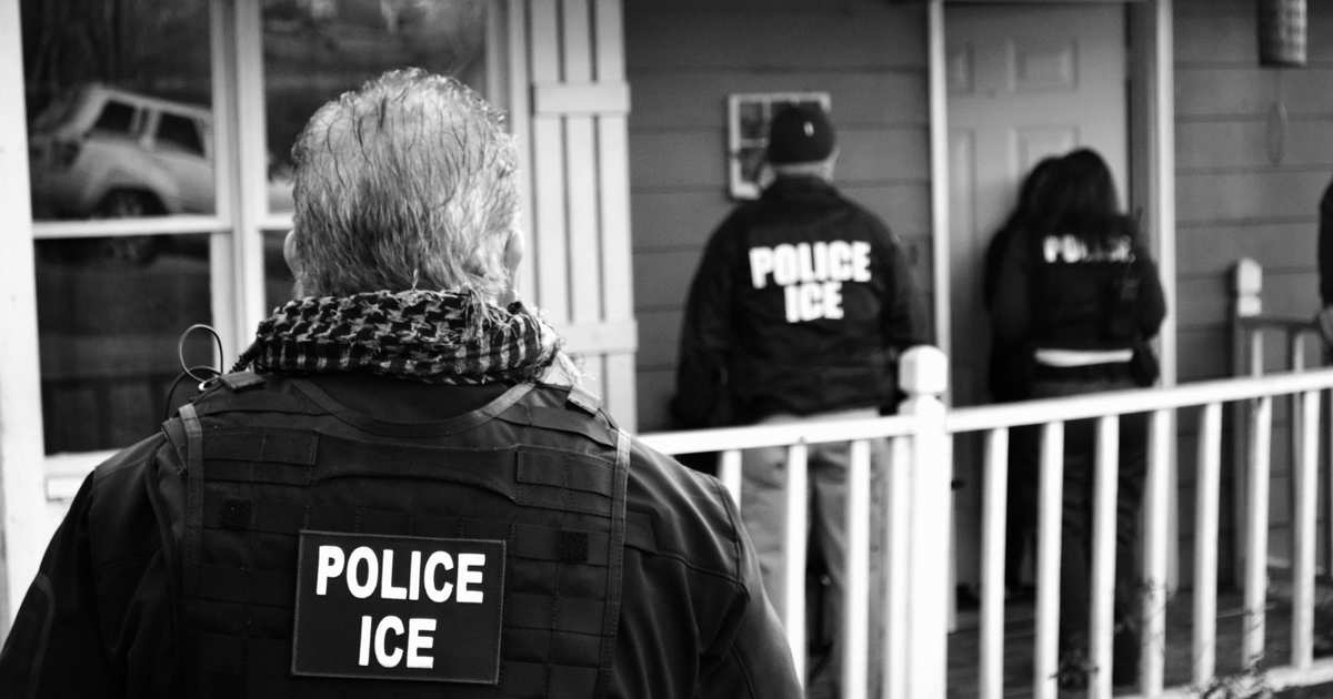 Neighbors Form Human Chain to Protect Family From ICE Agents