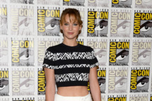 """SAN DIEGO, CA - JULY 20:  Actress Jennifer Lawrence attends Lionsgate's """"The Hunger Games: Catching Fire"""" and """"I, Frankenstein"""" Press Line during Comic-Con International 2013 at Hilton Bayfront on July 20, 2013 in San Diego, California.  (Photo by Ethan Miller/Getty Images)"""