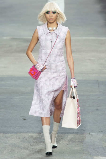 Photo 5 from Chanel