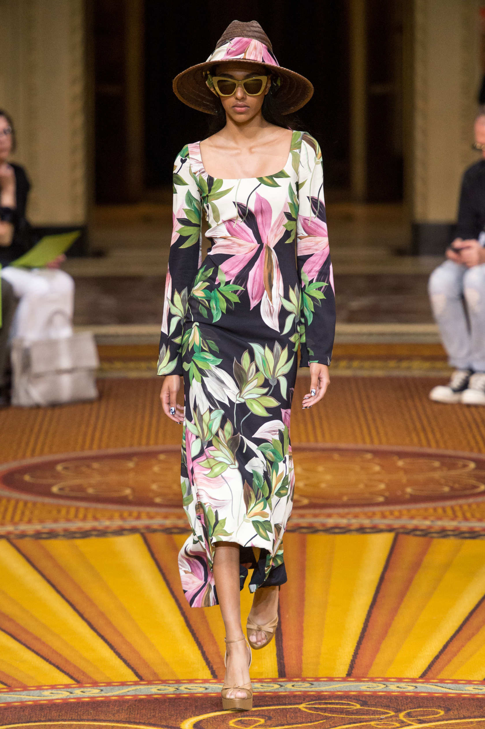 Watch Christian Siriano Spring 2019 RTW Collection at NYFW video