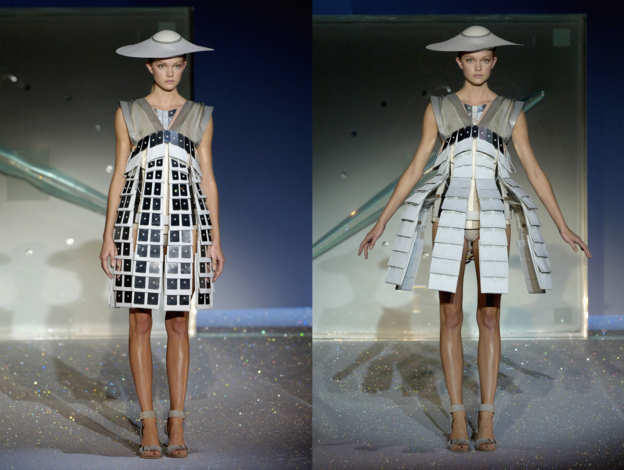 Photo 30 from One Hundred and Eleven collection, Hussein Chalayan, spring-summer 2007